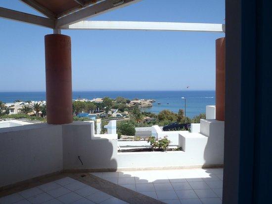 Aldemar Knossos Royal : Widok z basenu krytego