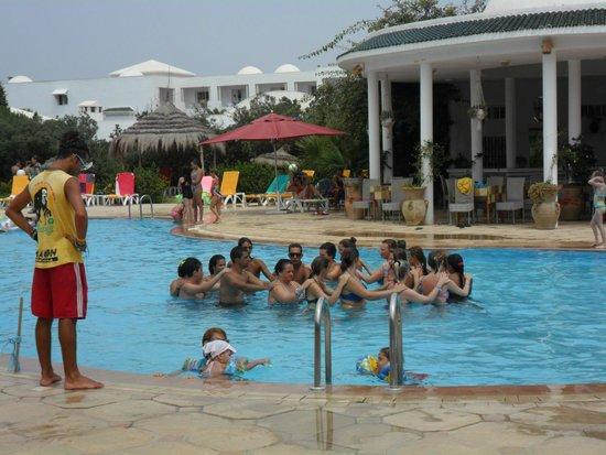 Zodiac : Аквааэробика в бассейне