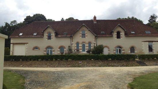 Domaine de la Maison Neuve: The property from the back