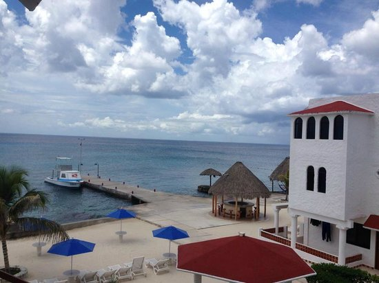 Scuba Club Cozumel: The view from our balcony