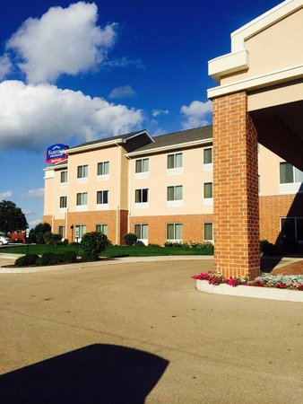 Fairfield Inn & Suites Ottawa Starved Rock Area : Clean and pretty!