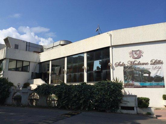 Hotel Residence Arcobaleno: échelle sur la façade