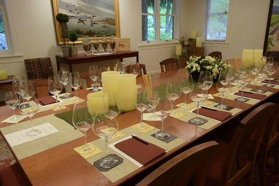 Duckhorn Vineyards : Our gorgeous table in one of the private tasting rooms