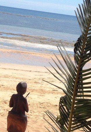 VOI Amarina resort: Il mare inizia a risalire ..