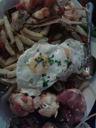 Can Bernat des Grau : Langosta frita con huevos y patatas fritas