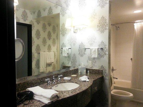 Le Meridien Dallas by the Galleria : Room 919. Big and nice