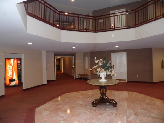 Country Club Hotel & Spa: Guest Entry