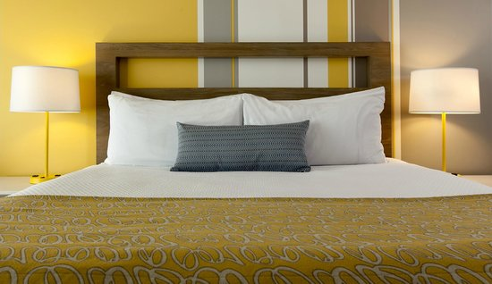 Blue Sea Beach Hotel: Newly Renovated Guest Bedding