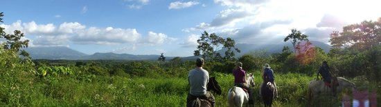 La Anita Rainforest Ranch: Horseback ride to volcano view point