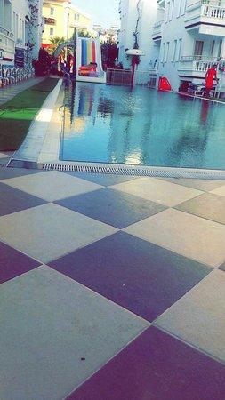 Ceylan Apart: Pool