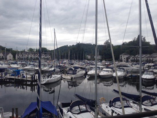 Windermere Marina Village: Not bad for a morning view!