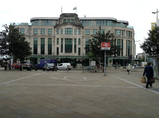 The Grand Hotel Swansea: Grand Hotel from entrance to railway station