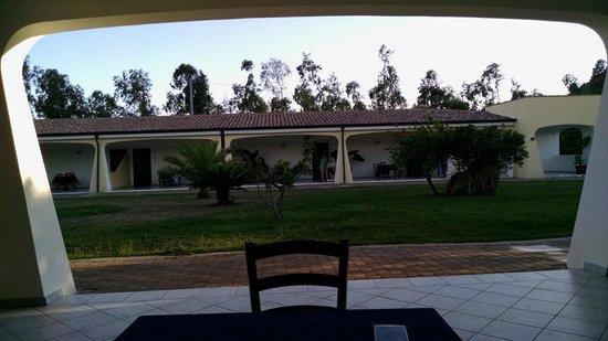 Hotel Biderrosa: Esterno Vs. interno hotel