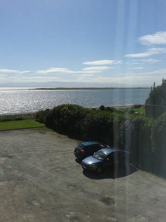 Marine Hotel : Looking over Dublin Bay
