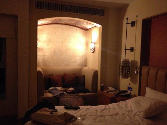 Doubletree by Hilton Avanos Cappadocia: particolare di camera da letto