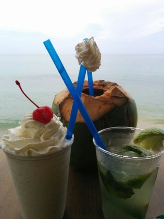 Villa Cofresi: Pirate Coconut,  Mojito, and Bushwacker form the bar! Awesome!