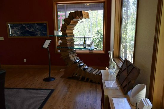 Newton Vineyard: Most unique wine rack I have ever seen on our trip