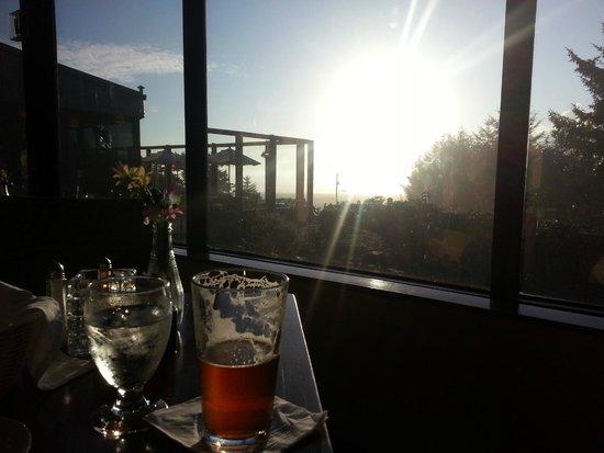 Best Western Agate Beach Inn: Dining room view