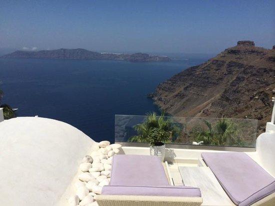 Dana Villas Hotel & Suites: Caldera view from balcony