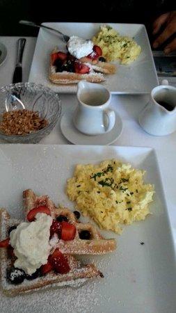 Mirabelle Inn: Complementary hot breakfast