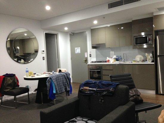 Meriton Suites North Ryde : spacious
