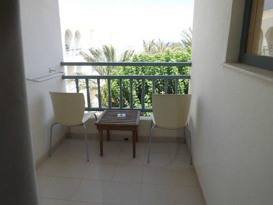 Yadis Djerba Golf Thalasso & Spa : balconcino
