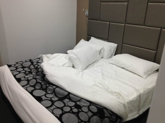 Meriton Serviced Apartments North Ryde: comfy bed