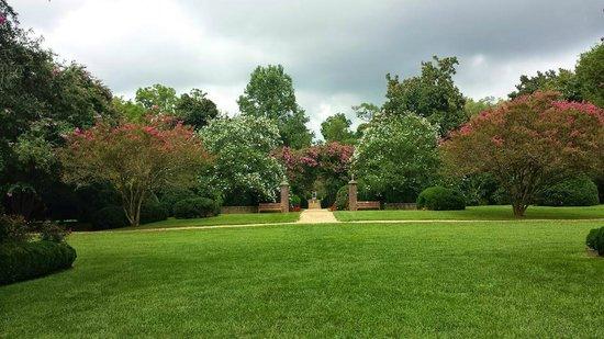 Berkeley Plantation: Gardens