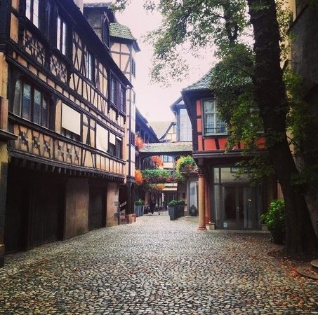 Hôtel Cour du Corbeau Strasbourg - MGallery Collection : Beautiful entrance of the hotel��