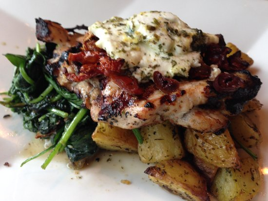 Pomodoros Greek & Italian Cafe-South : chicken nostimon