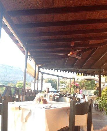 Taverna Nikolas Restaurant: Restaurant setting