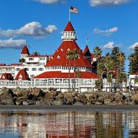 Hotel del Coronado: Beautiful, historic hotel built in the 1800's