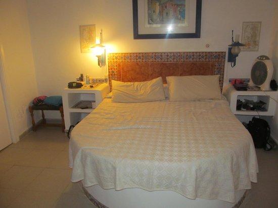 Granada Apartments : studio