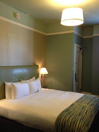Galleria Park Hotel: Bed
