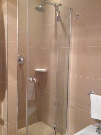 Hotel De la Ville : bagno