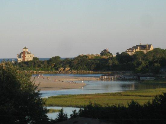 Vista Motel: Partial view of Good Harbor Beach
