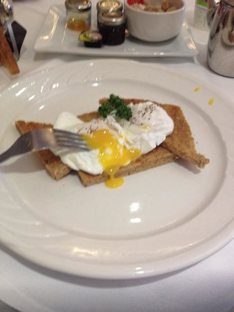 Royal and Fortescue Hotel: lovely poached eggs