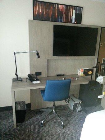 Novotel New York Times Square: Schreibtisch