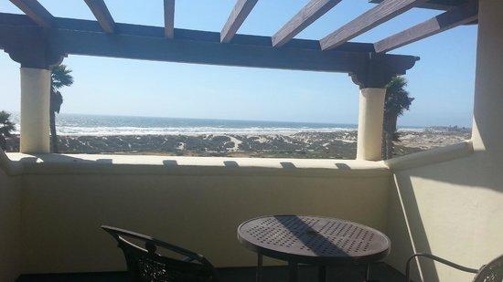Embassy Suites by Hilton Mandalay Beach - Hotel & Resort: Terrasse avec vue dégagée