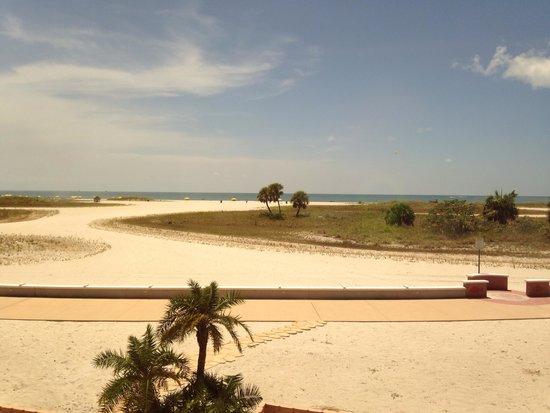 Treasure Island Ocean Club : Beach view from room