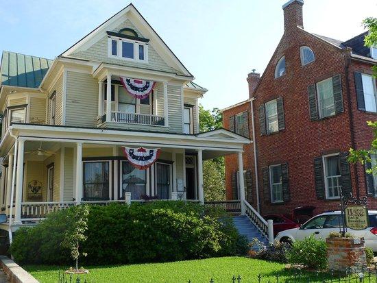 Hanna House Bed & Breakfast: Hanna House - Pollack Street
