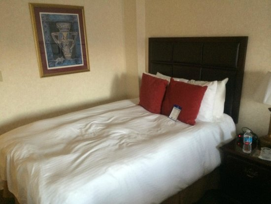 BEST WESTERN PLUS Grosvenor Airport Hotel: Comfortable room