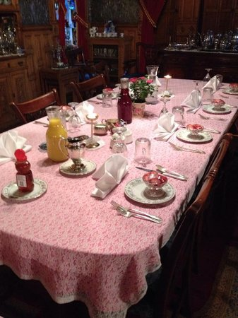 Copper King Mansion: Breakfast Table