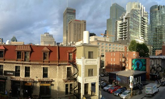 Comfort Suites Downtown: View from the balcony
