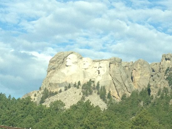 Mount Rushmore National Memorial : View from the road going up to monument.