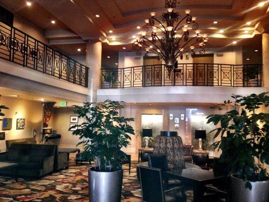 Paramount Hotel: The beautiful Lobby