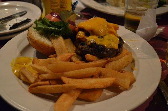Playwright Tavern & Restaurant: Burger