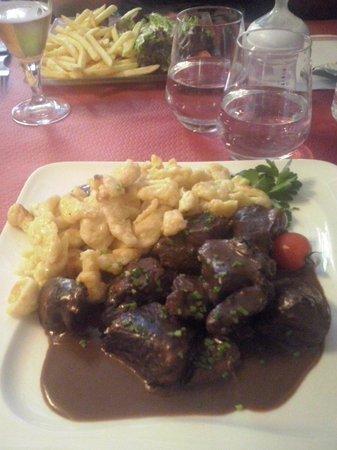 Restaurant Hassenforder: Civet de gibier et spaetzle