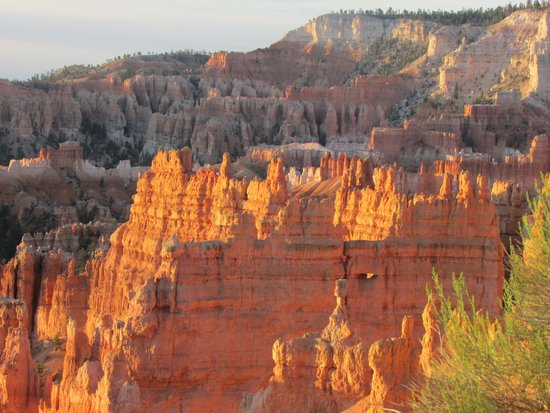 Bryce Canyon Lodge: Sunrise 50 Feet from our cabin