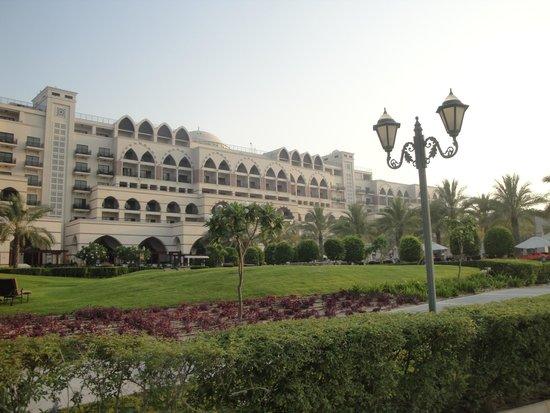Jumeirah Zabeel Saray: Hotel from the beachfront